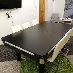 Biljardipöytä ruokapöydäksi tai kokouspöydäksi