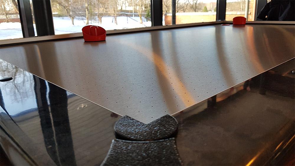 Ilmakiekko / Air Hockey pöytä